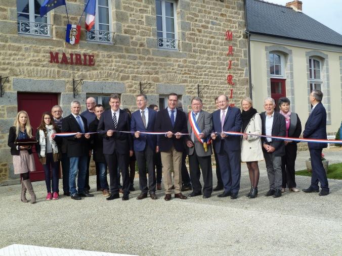 Inauguration mairie de Brecée 151107